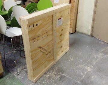 Caisse bois sur mesure protection tableau / Photo